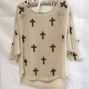 The Classic lightweight sweater cream crosses Med
